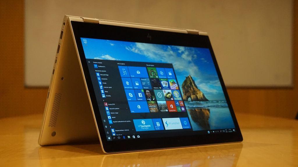 HP EliteBook x360 1030 G2 w trybie namiotowym
