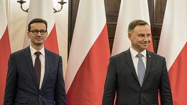Premier Mateusz Morawiecki i prezydent Andrzej Duda (fot. Dawid Żuchowicz/AG)