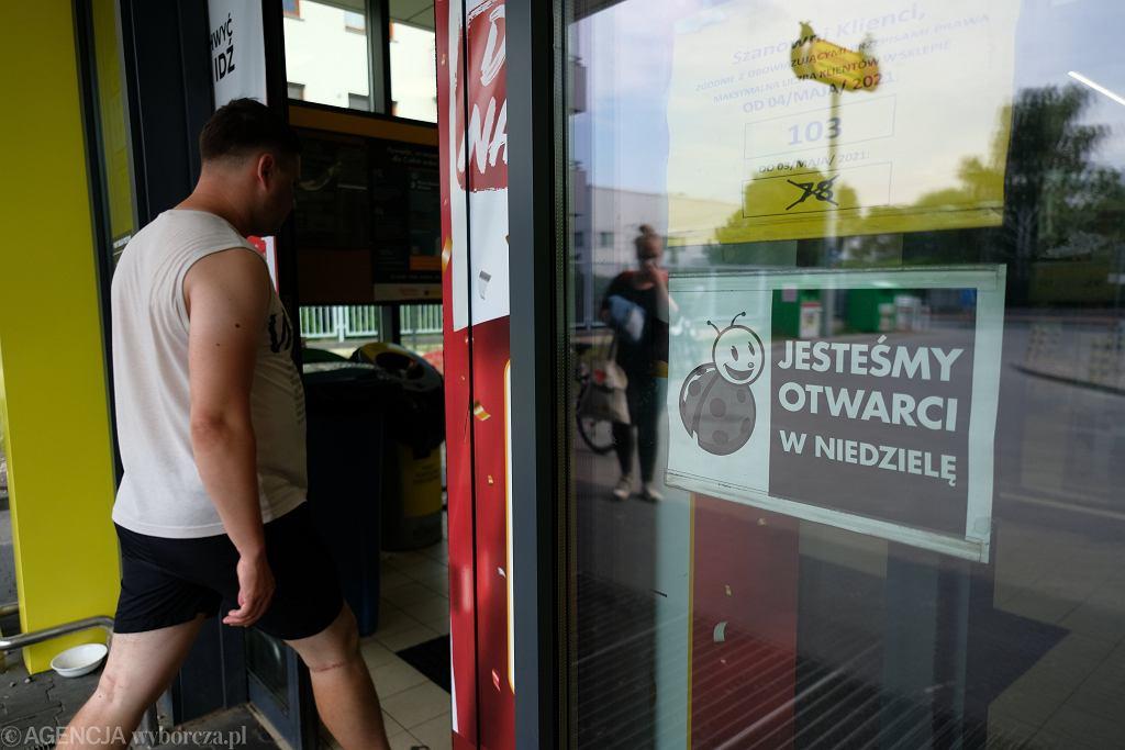 Biedronka z punktem pocztowym w warszawskim Ursusie czynna w niedziele