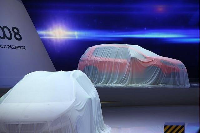 Salon Samochodowy Genewa 2013 - Peugeot 2008 czekające na swoją premierę