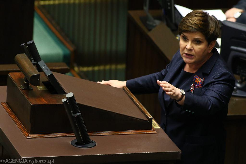 Beata Szydło skorzystała z lotu CASĄ 77 razy