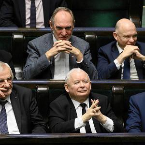 """Ustawa PiS o Sądzie Najwyższym """"niezgodna z Konstytucją""""? Opozycja: Standardy bolszewickie"""