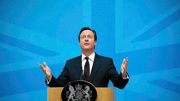 Trwająca w Wielkiej Brytanii antyunijna kampania bierze na cel emigrantów z Polski, trzecią co do wielkości mniejszość narodową. Na zdjęciu: premier David Cameron przemawia w Home Office w Londynie na temat imigracji