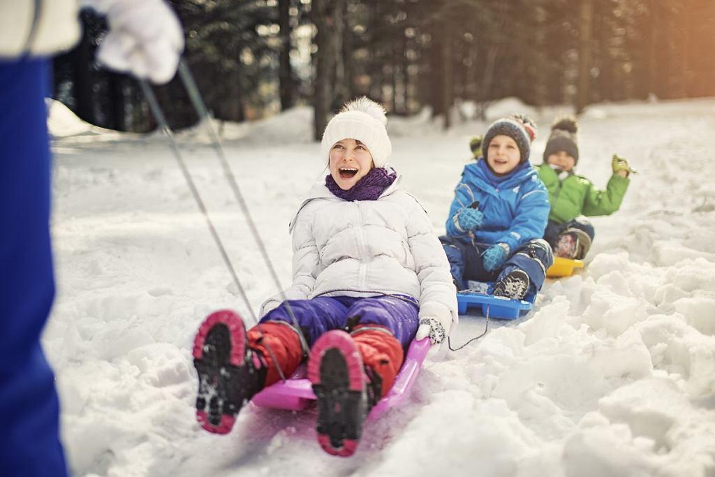 Zima w mieście - półkolonie są jedynym rozwiązaniem? Ferie zimowe 2017 zbliżają się wielkimi krokami, jeśli jeszcze tego nie zrobiliście, czas zaplanować działania.