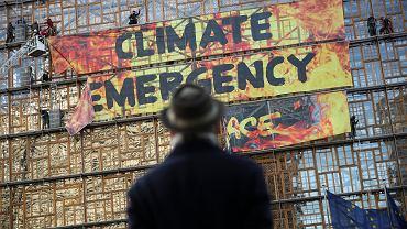 Akcja Greenpeace'u na budynku Komisji Europejskiej, Bruksela, 12 grudnia 2019.