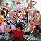 Kraków. Afrykańskie rytmy i świąteczna kąpiel w lodowatej wodzie