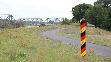 Most kolejowy Siekierki - Neurudnitz