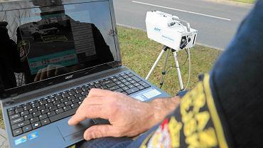 Przenośne fotoradary są na wyposażeniu wielu straży miejskich i gminnych w całej Polsce