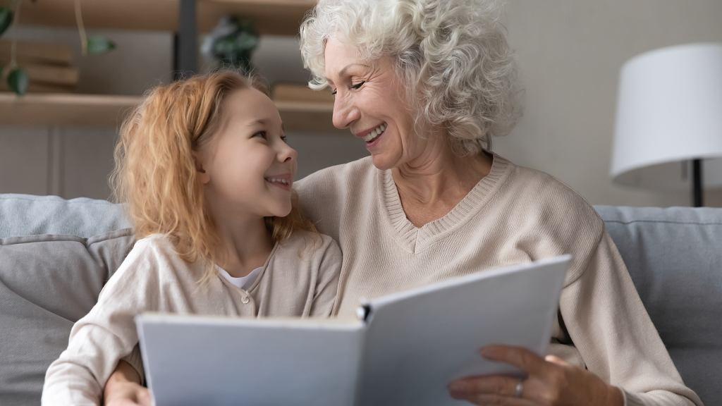 Życzenia na Dzień Babci 2021. Najpiękniejsze zabawne i tradycyjne życzenia z okazji święta babci