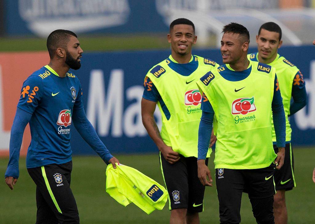 Gabriel Jesus (z lewej) podczas treningu olimpijskiej reprezentacji Brazylii