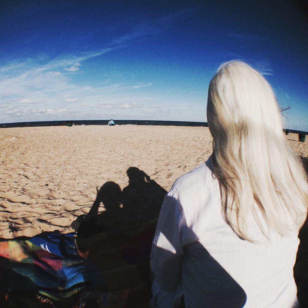 Starsza pani nad morzem