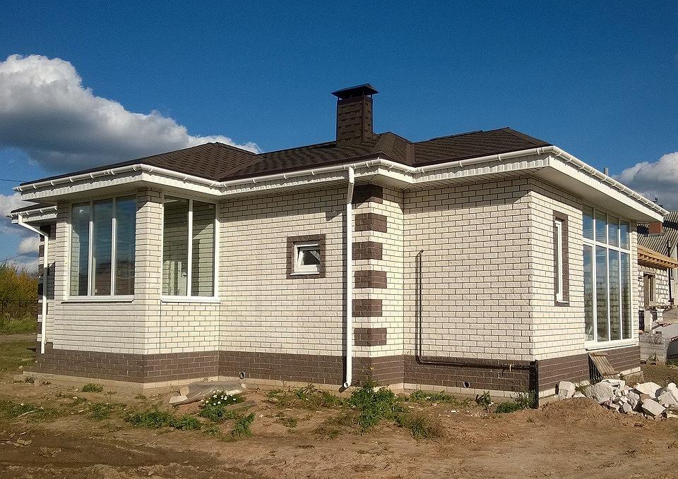 Pieniądze konsumentów wpłacone na dom lub mieszkanie mają być lepiej chronione
