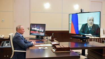 Prezydent Władimir Putin podczas telekonferencji z premierem Michaiłem Miszustinem, 30 kwietnia 2020 r.