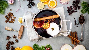 Korzenne grzane wino z pomarańczą