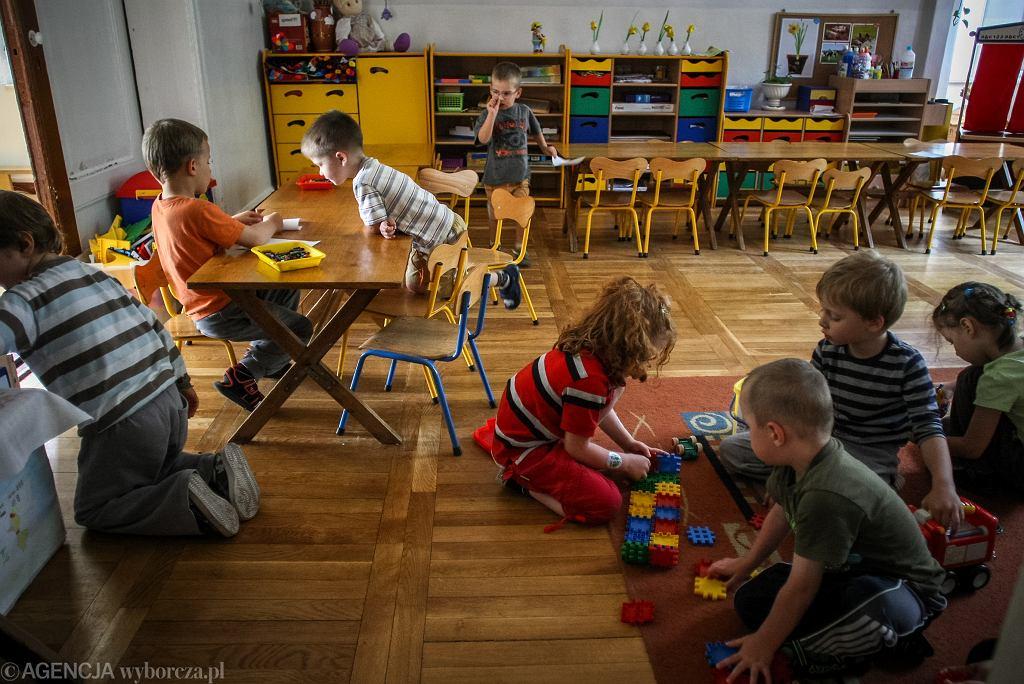 Żłobki i przedszkola otwarte. W szkołach mogą odbywać się konsultacje dla maturzystów i ósmoklasistów