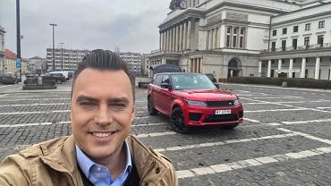 Tomasz Korniejew i Range Rover Sport
