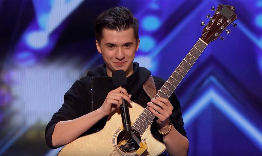 INCREDIBLE Guitarist Marcin Patrzalek Plays Unlikely Mash-Up - America's Got Talent 2019
