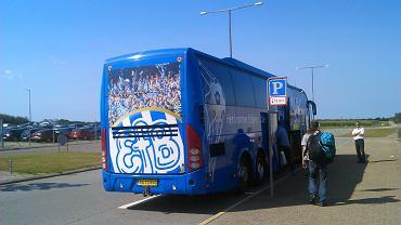 Klubowy autokar fB Esbjerg. Nie jechał nim zespół Ruchu, lecz osoby towarzyszące