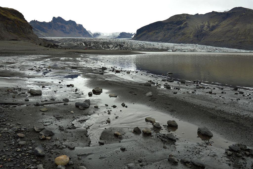 Topniejące lodowce to efekt zmian klimatu na Ziemi