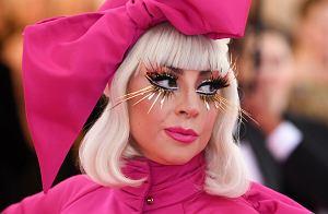 """Kolejna odsłona świętowania 10. urodzin """"Born This Way"""" Lady Gagi. Po """"Judas"""" w wykonaniu Big Freedii czas na tytułowy kawałek płyty. Niezwkle intrygującą wersję singla """"Born This Way"""" przygotował Orville Peck."""