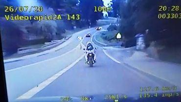 Policyjny pościg za 17-latkiem. Konieczna była całkowita blokada drogi