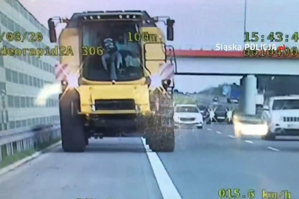 Kombajnem jechał po autostradzie A1