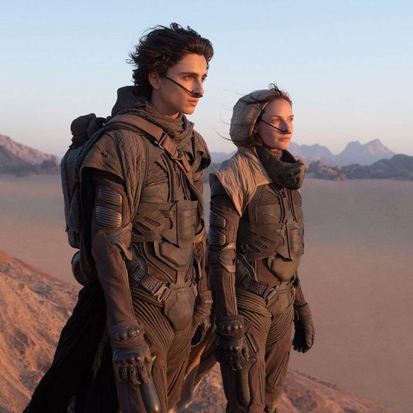 Kadr z filmu pt. 'Diuna'. Premiera w październiku. Na zdjęciu Timothée Chalamet i Rebecca Ferguson.