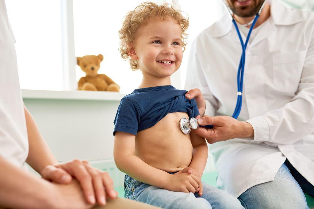 Infekcje u dzieci sprawiają, że w przychodni pojawiamy się dość często