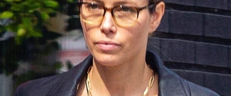Jessica Biel spacerowała po ulicach Los Angeles bez makijażu