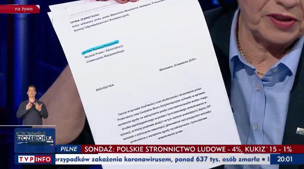 Elżbieta Witek pokazuje opinie prawników nt. reasumpcji głosowania