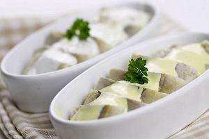 Sos musztardowy idealny do jaj, sałatek, mięs. Jak zrobić sos musztardowy? [PRZEPIS]