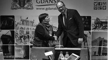 Janina Ochojska, założycielka Polskiej Akcji Humanitarnej i Paweł Adamowicz, prezydent Gdańska;