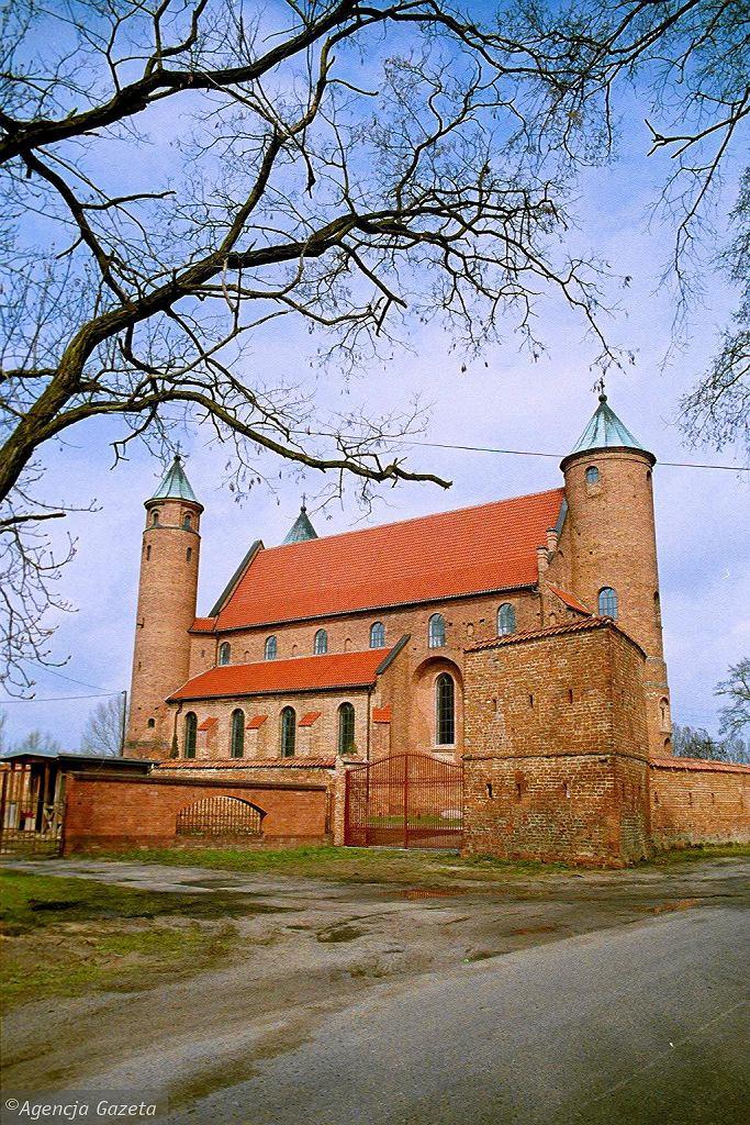 Wypad w majowy weekend. Kościół w Brochowie / MARZENA  HMIELEWICZ