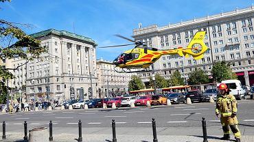 Akcja Lotniczego Pogotowia Ratunkowego na placu Konstytucji w Warszawie
