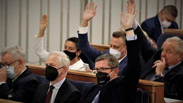 Głosowanie w senacie ws. rezolucji