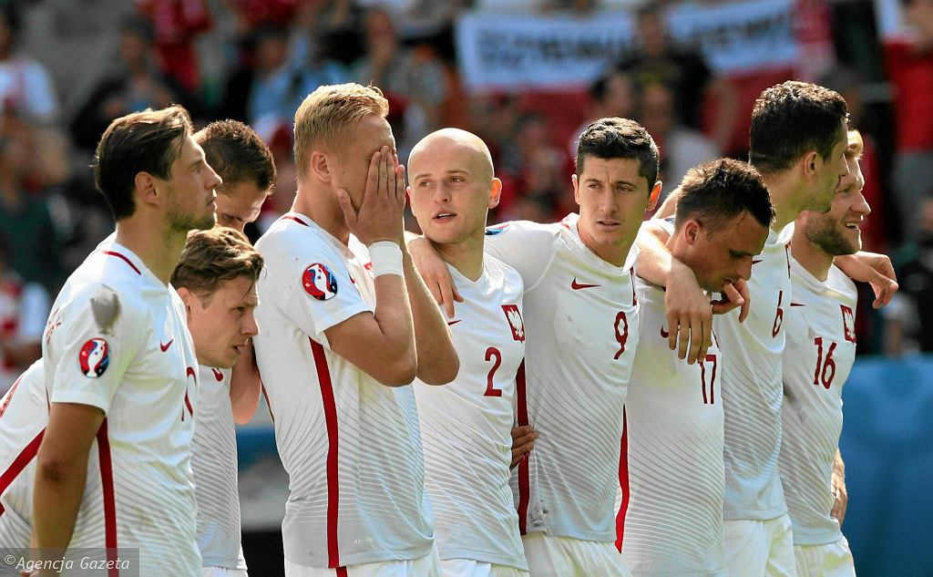 Polska reprezentacja podczas wygranej serii rzutów karnych w meczu ze Szwajcarią