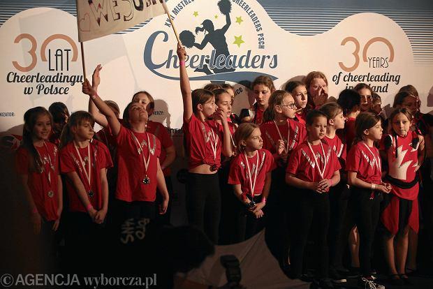 Zdjęcie numer 50 w galerii - Cheerleaderki rywalizują w Kielcach. Bo taniec nie jedną ma twarz [ZDJĘCIA]