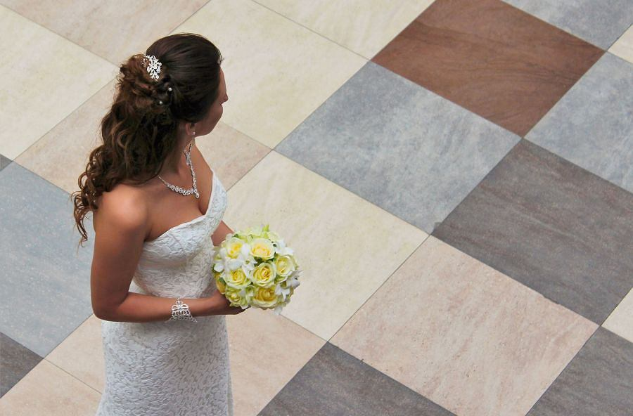 List wręczony przez urzędniczkę zepsuł wesele