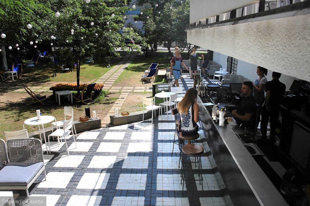 Restauracja Biała. Zjedz i wypij przy ul. Francuskiej 2 / JACEK MARCZEWSKI