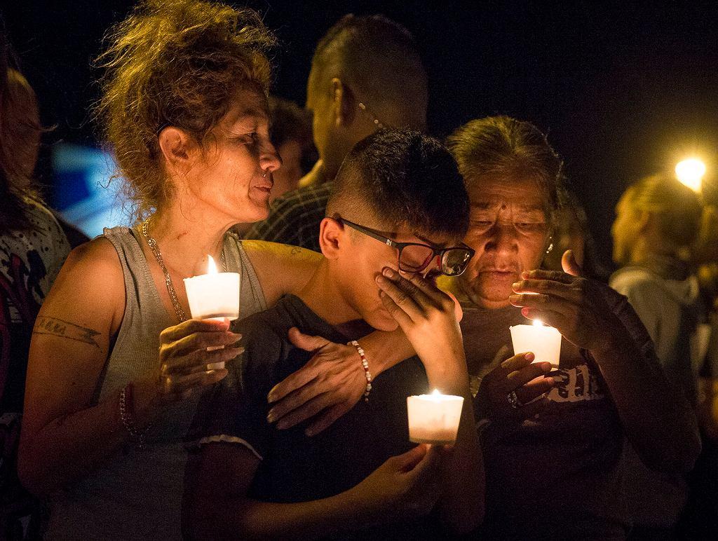 Upamiętnienie ofiar masakry w kościele w Sutherland Springs