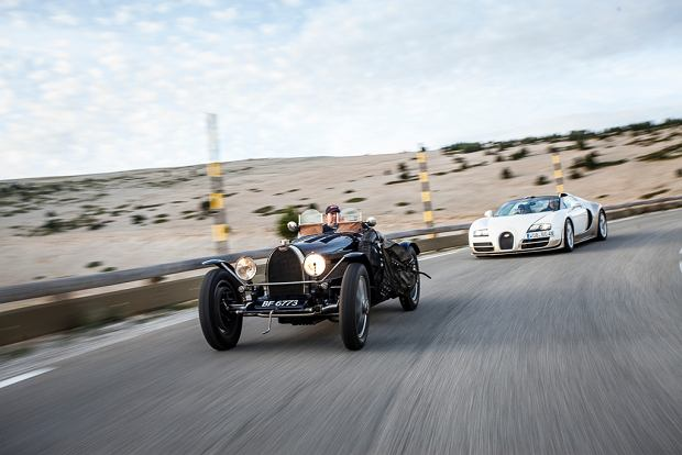 Bugatti 51 z 1931 roku i Bugatti Veyron Vitesse