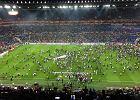 Liga Europy. Wielkie zamieszanie w Lyonie. Kibice wbiegli na murawę, mecz opóźniony