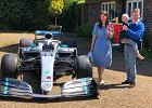 Piękny gest Lewisa Hamiltona. Podarował bolid Mercedesa choremu 5-latkowi