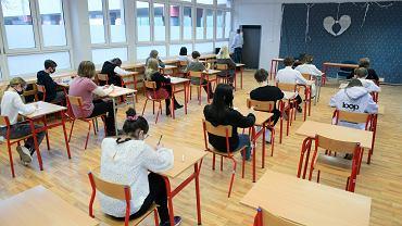 Próbny egzamin ósmoklasisty w szkole podstawowej nr 29 we Wrocławiu