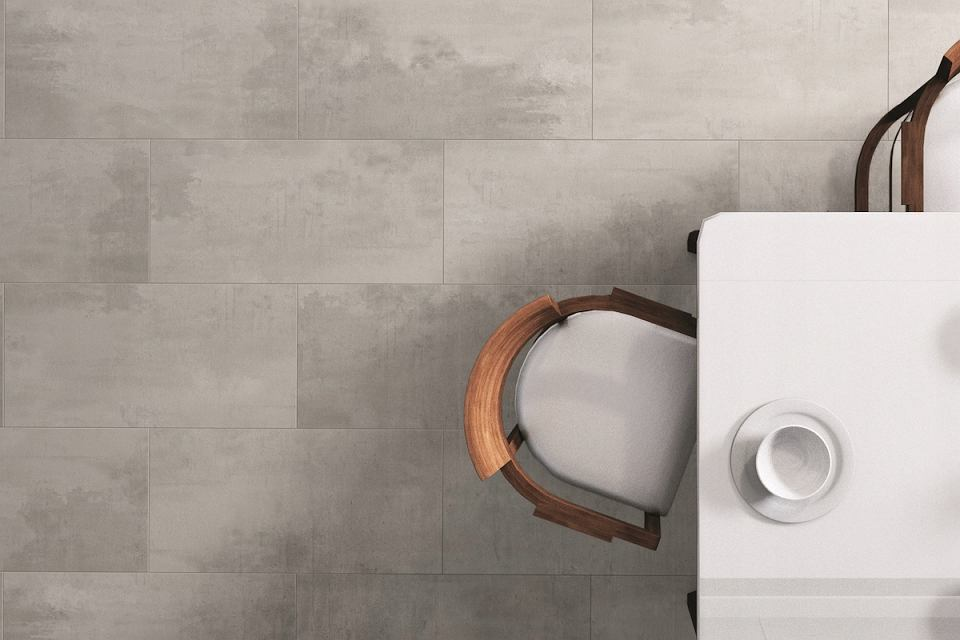 Winylowe panele do kuchni i łazienki Roco Konstrukta. Świetnie imitują beton.