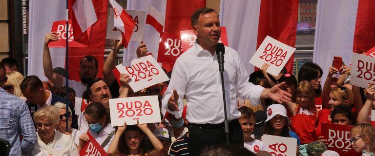 Wiec Dudy i kontrmanifestacja we Wrocławiu. Policja skierowała wnioski do sądu