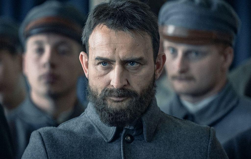 Kadr z filmu 'Piłsudski'