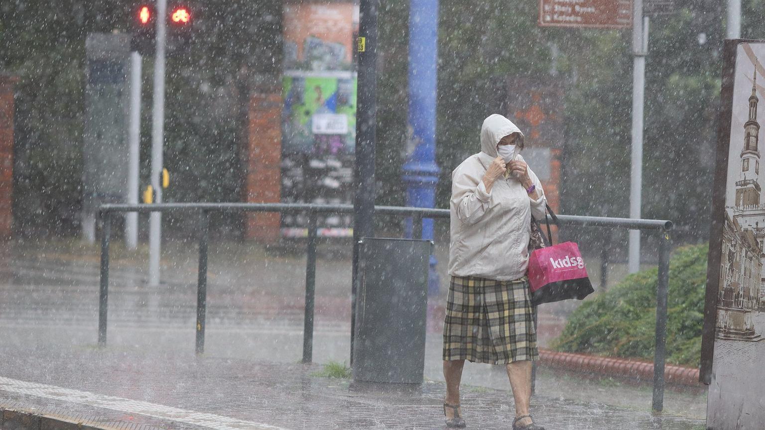 Upały i burze w Polsce. IMGW wydało ostrzeżenia dla prawie całego kraju