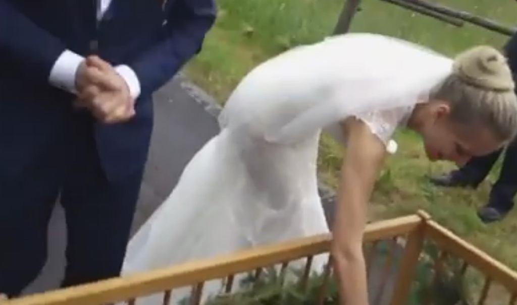 Nietypowa brama weselna na Dolnym Śląsku