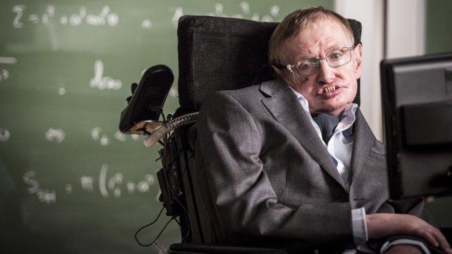 Zdjęcie numer 2 w galerii - Sztuczna inteligencja nas zniszczy - ostrzega Stephen Hawking